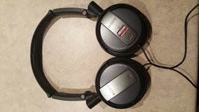 Sony Headphones in Lake Elsinore, California
