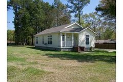 BEAUTIFUL 3 BEDROOM 2 BATH DERRIDER HOME WITH 1.05 ACRES FOR RENT in Conroe, Texas