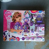 New My Little Pony Friendship Is Magic Set in Batavia, Illinois