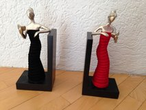 2 bookend ladies in Ramstein, Germany