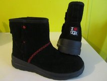 UGG short boots (black) sz 6 LIKE NEW in Beaufort, South Carolina