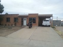 room available in 3 bed & 2 bath house in Davis-Monthan AFB, Arizona