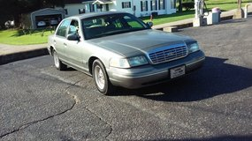 2000 FORD CROWN VIC WITH 128,000 MILES 3000 OBO in Fort Rucker, Alabama