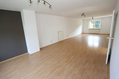 PENDING CONTRACT APPROVAL FROM THE HSG OFC Duplex 3 Bedrms, Dbl Parking, Cable and good location... in Ramstein, Germany