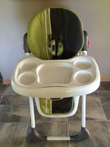 High chair excellent condition in Plainfield, Illinois