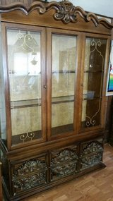 Beautiful China hutch & table n chairs in Vacaville, California