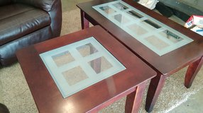 Coffee table & 2 end tables in Fort Campbell, Kentucky