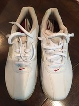 Brand-new ladies Nike golf shoes size 7 1/2 in Kingwood, Texas