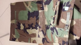 woodland camo trousers Large XL in Fort Leonard Wood, Missouri