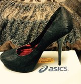 Homecoming lace heels Sz. 9 worn once in Kingwood, Texas