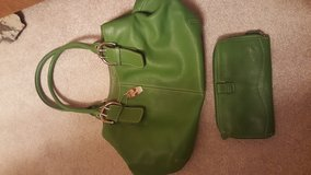 Green leather purse and wallet in Baytown, Texas