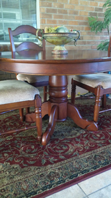 REDUCED TO $300 Ashley furniture casual dining set with 4 chairs in cherry finish  like new! in Hinesville, Georgia