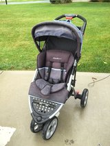 Jogger stroller - Eddie bauer in Bolingbrook, Illinois