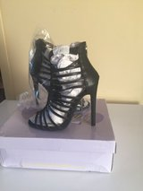 Size 6 heels. Never worn in Beaufort, South Carolina
