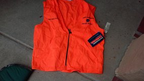 Large new hunter orange vest in Alamogordo, New Mexico