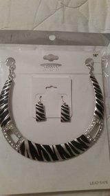 Black & Silver Necklace/Earring set in Conroe, Texas