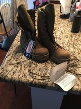 Bates boots new with tags size 4 in Beaufort, South Carolina