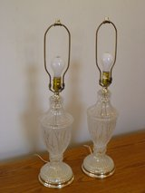Set of 2 Glass Very Heavy Table Lamps. in Bartlett, Illinois