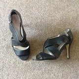 Ladies size 10 black heels in Fort Campbell, Kentucky