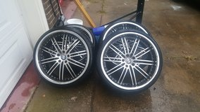 """22"""" rims and tires in Fort Campbell, Kentucky"""