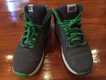 Nike Shoes for Boys Size4 (Like New) in Okinawa, Japan