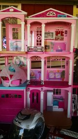 ver nice doll house with furniture included in Leesville, Louisiana