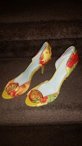 Anne Klein Floral Ladies Dress Shoes in Fort Campbell, Kentucky