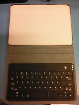Bluetooth keyboard for IPad or any compatible bluetooth device in Beaufort, South Carolina
