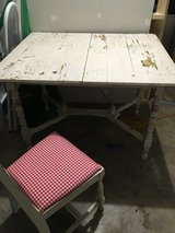 Antique table and chairs in Fort Campbell, Kentucky