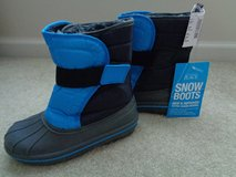 New w/tag The Children's Place snow boots size 1 in Camp Lejeune, North Carolina
