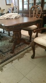 Dining Table with 4 chairs in Cleveland, Texas