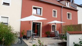 Temporary or mid-term lodgin in a modern and cozy fully equipped vacation house nearby - in Hirs... in Grafenwoehr, GE