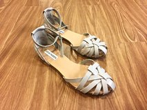 Women's Light Gray Summer Shoes/ Flats/ Sandals. Size 9. Like NEW!!! in Okinawa, Japan
