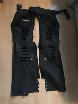 chaps riding pants sz m in Baumholder, GE