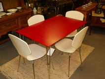 Red & White Table and 4 Chairs in Goldsboro, North Carolina