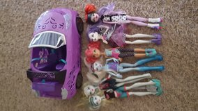 Monster high car and doll set in Morris, Illinois