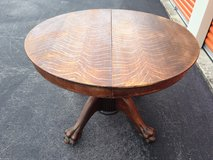 Antique Solid Qtr Oak Round Table W/ Paw Feet in Camp Lejeune, North Carolina