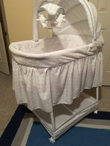 Simmons Gliding Bassinet in Conroe, Texas