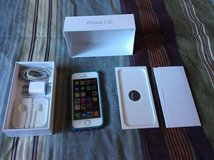 iPhone 5 S 16GB AT&T in Bolingbrook, Illinois