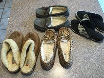 Girls size 4 slippers in Naperville, Illinois
