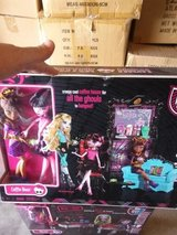 MONSTER HIGH COFFEE BEAN COFFEE SHOP 2 DOLL EXCLUSIVE SET in Naperville, Illinois