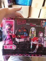 MONSTER HIGH DIE NER  DINER WITH DOLL INCLUDED SET in Naperville, Illinois