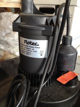 Flotec 1/2HP Submersible Sump Pump in Naperville, Illinois
