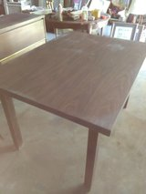 Table sturdy in Alamogordo, New Mexico