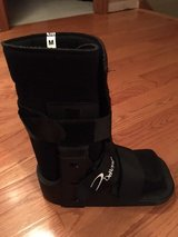 DeRoyal Medical Boot - NEW in Naperville, Illinois