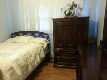 full or queen thomasville bedroom set in Glendale Heights, Illinois