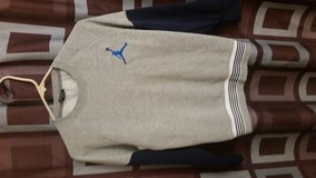 Boys Jordan Sweatshirt Size Lg! Like New! in Clarksville, Tennessee