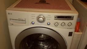LG ELECTRIC FRONT LOADER WASHER in Hopkinsville, Kentucky