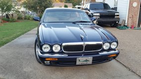 1999 Jaguar XJ8 in Fort Campbell, Kentucky