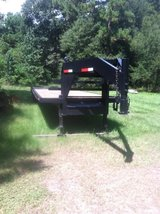 Refurbished 40' gooseneck trailer in Conroe, Texas